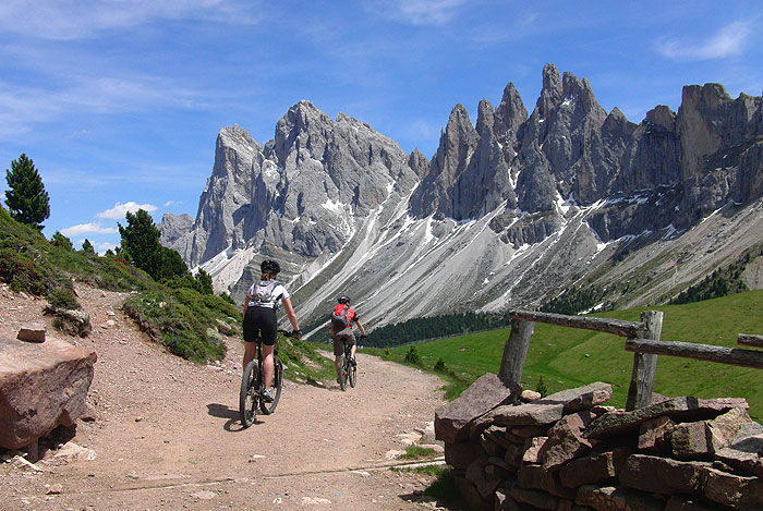 Mountain Bike In Val Gardena Mtb Holiday In The Dolomites